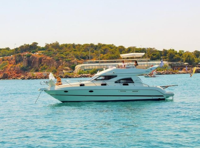 Luxury Motor Yacht | Day Cruise in Athens